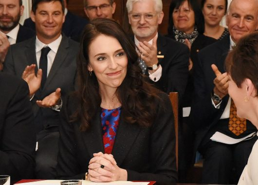 jacinda-ardern-apologises-for-non-socially-distanced-selfie,-and-why-that's-a-mark-of-true-leadership